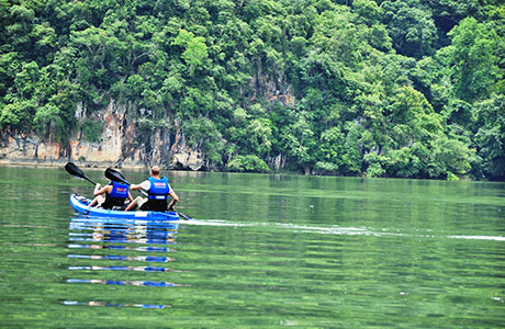 Kayaking on Ba Be lake, Mr Linh's homestay